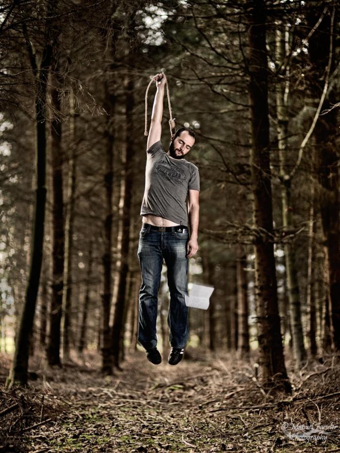 Levitation suicide ... by Manuel Faessler